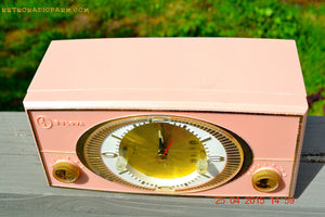 SOLD! - Sept 9, 2015 - PINK CYCLOPIC Vintage Mid Century Retro Jetsons 1957 Bulova Model 140 Tube AM Clock Radio WORKS! , Vintage Radio - Bulova, Retro Radio Farm  - 7