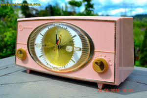 SOLD! - Sept 9, 2015 - PINK CYCLOPIC Vintage Mid Century Retro Jetsons 1957 Bulova Model 140 Tube AM Clock Radio WORKS! , Vintage Radio - Bulova, Retro Radio Farm  - 6