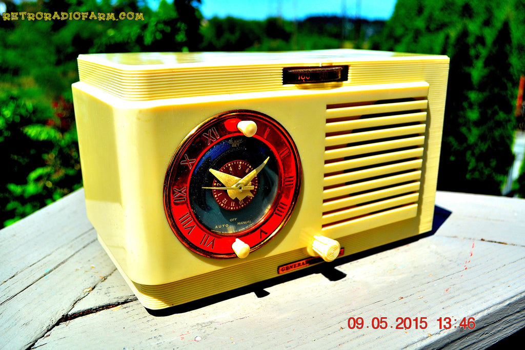 SOLD! - July 12, 2015 - VANILLA WHITE Art Deco 1952 General Electric Model 66 AM Brown Bakelite Tube Clock Radio Totally Restored! , Vintage Radio - General Electric, Retro Radio Farm  - 1