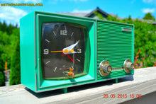 Load image into Gallery viewer, SOLD! - Dec 11, 2015 - KELLY GREEN Retro Jetsons Vintage 1960s or 1970s Soundwave AM Solid State Clock Radio Alarm WORKS! - [product_type} - Soundwave - Retro Radio Farm