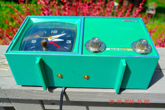 SOLD! - Dec 11, 2015 - KELLY GREEN Retro Jetsons Vintage 1960s or 1970s Soundwave AM Solid State Clock Radio Alarm WORKS! , Vintage Radio - Soundwave, Retro Radio Farm  - 11