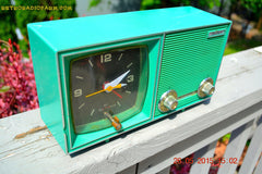 SOLD! - Dec 11, 2015 - KELLY GREEN Retro Jetsons Vintage 1960s or 1970s Soundwave AM Solid State Clock Radio Alarm WORKS! , Vintage Radio - Soundwave, Retro Radio Farm  - 4