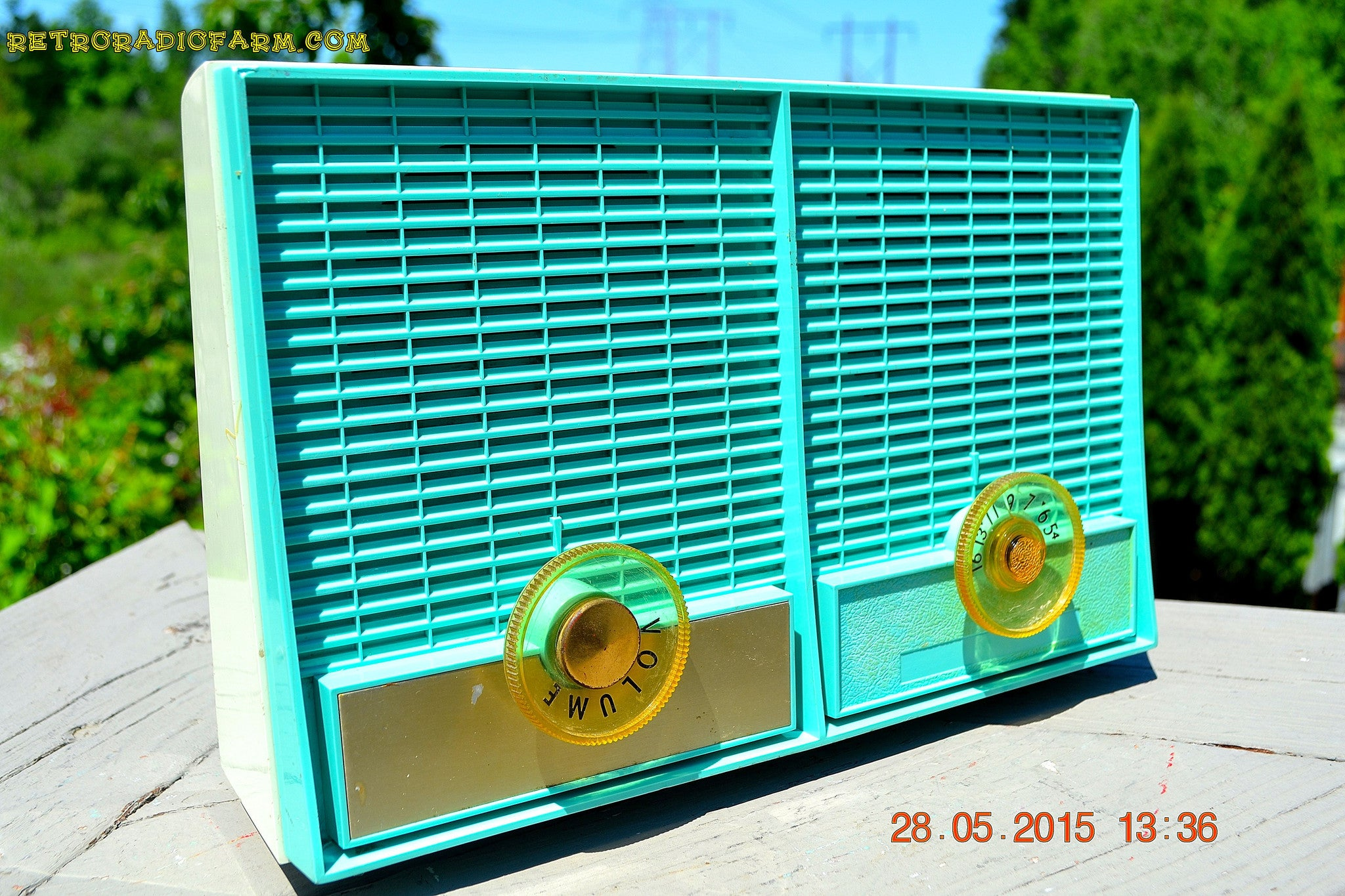 SOLD! - June 8, 2015 - CERULEAN Mid Century Retro Jetsons Vintage 1957 Philco M-872-124 AM Tube Radio Works! - [product_type} - Philco - Retro Radio Farm