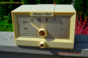 SOLD! - Sept 17, 2015 - IVORY WHITE Retro Jetsons Vintage 1956 Packard Bell 5R1 AM Tube Radio Works! , Vintage Radio - Packard-Bell, Retro Radio Farm  - 3