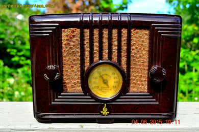 SOLD! - Sept 17, 2015 - STUNNING Art Deco Retro Vintage 1940 Emerson Model 126 Brown Swirly Marbled Bakelite AM Tube Radio Totally Restored! - [product_type} - Emerson - Retro Radio Farm