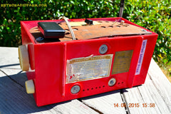 BLUETOOTH MP3 READY - Red and White Mid Century Retro Jetsons 1957 Truetone Model DC2854 Tube AM Radio Works! , Vintage Radio - Truetone, Retro Radio Farm  - 9