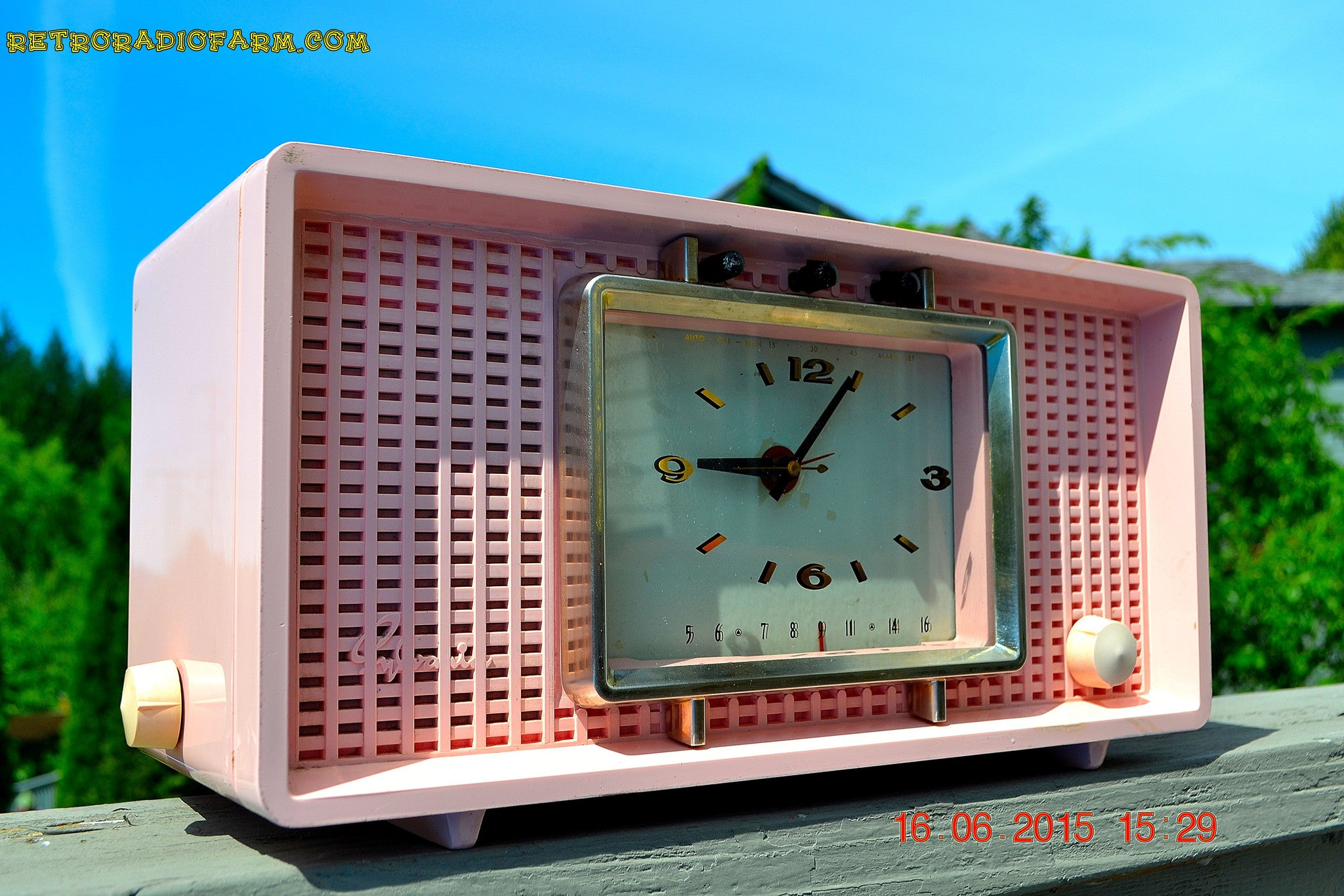 SOLD! - Sept 9, 2015 - BLUETOOTH MP3 READY - BIG PINK Mid Century Retro Jetsons 1956 Sylvania Model R598-7509 Tube AM Clock Radio Totally Restored! , Vintage Radio - Sylvania, Retro Radio Farm  - 1
