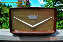 Load image into Gallery viewer, SOLD! - Aug 9, 2015 - ROCKABILLY Looking Retro Vintage Cadillac Brown Marbled Gold 1950's Truetone Western Auto D2586 AM Tube Radio WORKS! - [product_type} - Truetone - Retro Radio Farm