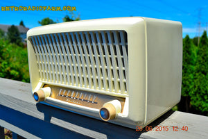SOLD! - Sept 6, 2015 - BLUETOOTH MP3 READY - Post War Industrial Ivory Retro Deco 1951 Wards Airline Model 15BR-1544A Tube Radio Totally Restored! , Vintage Radio - Airline, Retro Radio Farm  - 5