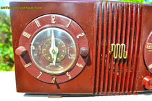 Load image into Gallery viewer, SOLD! - Sept 17, 2015 - STUDIOUS LOOKING Brown Swirly Mid Century Retro 1950 Motorola Model 5C6 Tube AM Clock Radio Works Great!! , Vintage Radio - Motorola, Retro Radio Farm  - 10