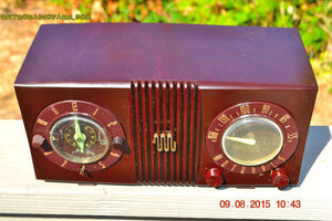 SOLD! - Sept 17, 2015 - STUDIOUS LOOKING Brown Swirly Mid Century Retro 1950 Motorola Model 5C6 Tube AM Clock Radio Works Great!! - [product_type} - Motorola - Retro Radio Farm