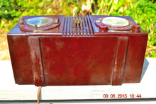 Load image into Gallery viewer, SOLD! - Sept 17, 2015 - STUDIOUS LOOKING Brown Swirly Mid Century Retro 1950 Motorola Model 5C6 Tube AM Clock Radio Works Great!! , Vintage Radio - Motorola, Retro Radio Farm  - 11
