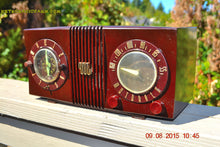 Load image into Gallery viewer, SOLD! - Sept 17, 2015 - STUDIOUS LOOKING Brown Swirly Mid Century Retro 1950 Motorola Model 5C6 Tube AM Clock Radio Works Great!! - [product_type} - Motorola - Retro Radio Farm