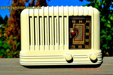 SOLD! - Nov 24, 2015 - BEAUTIFUL Art Deco Golden Age 1940 Westinghouse WR-176 Bakelite AM Tube Radio Works! - [product_type} - Westinghouse - Retro Radio Farm