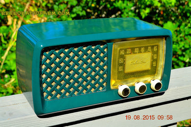 SOLD! - Dec 28, 2015 - GARDEN HOME GREEN Retro Jetsons Vintage 1955 Silvertone Model 2014 AM Tube Radio Totally Restored! - [product_type} - Silvertone - Retro Radio Farm