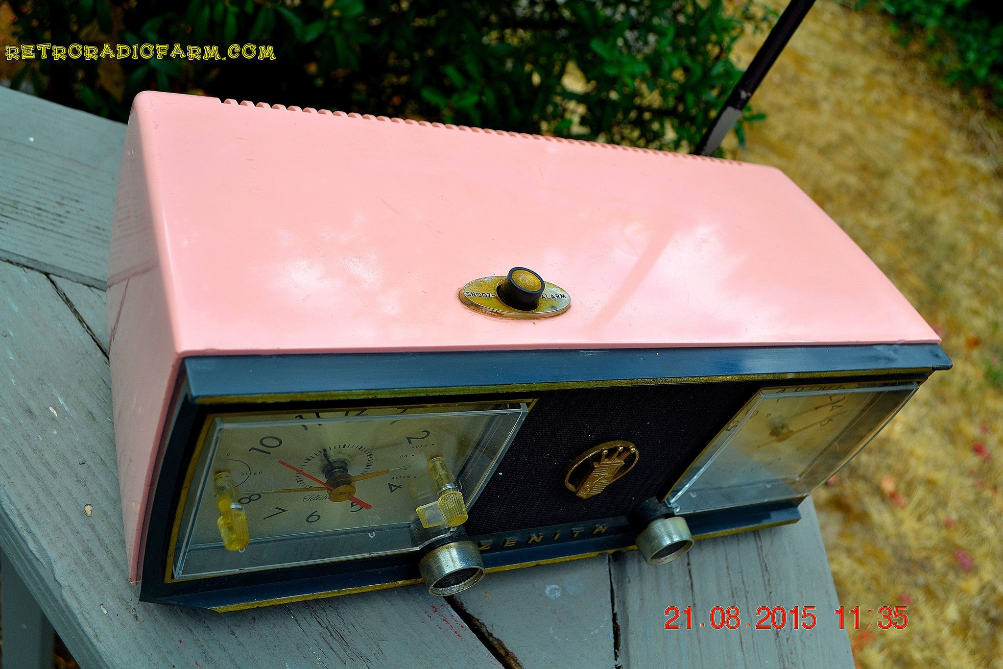 SOLD! - Dec 16, 2015 - BETTY BOOP Pink and Black Mid Century Retro Jetsons Vintage 1954 Zenith C624 AM Tube Radio Works! - [product_type} - Zenith - Retro Radio Farm