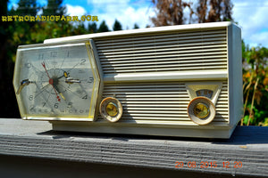 SOLD! - Dec 25, 2015 PAPER WHITE Mid Century Retro Jetsons Vintage 1957 RCA Victor Model 8-C-6E AM Tube Radio Works! - [product_type} - RCA Victor - Retro Radio Farm