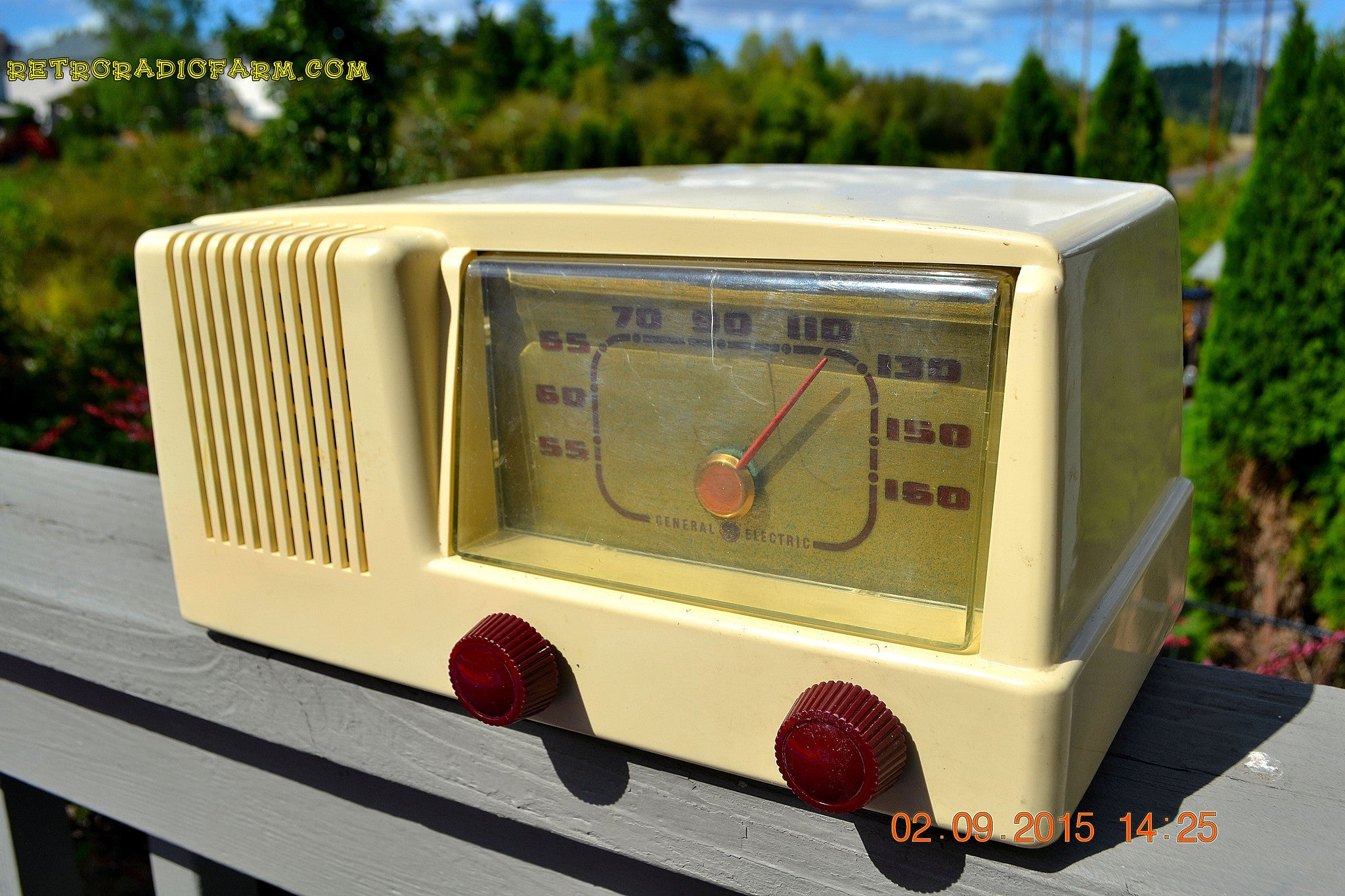 SOLD! - Jan 14, 2016 - BLUETOOTH MP3 READY Antique Ivory Colored Mid Century  1950 General Electric Model 401 AM Tube Radio - [product_type} - General Electric - Retro Radio Farm