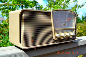 SOLD! - Sept 10, 2015 - LOFT GRAY Mid Century Retro Vintage 1964 Motorola Model B6N AM/FM Tube Radio Works Great! , Vintage Radio - Motorola, Retro Radio Farm  - 4