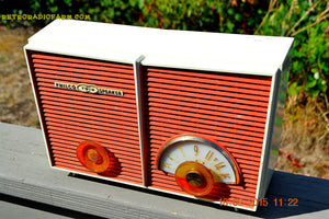 WACKY LOOKING Coral And White  Retro Jetsons Vintage 1957 Philco H836-124 AM Tube Radio Works! , Vintage Radio - Philco, Retro Radio Farm  - 8