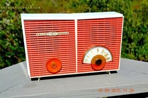 WACKY LOOKING Coral And White  Retro Jetsons Vintage 1957 Philco H836-124 AM Tube Radio Works! , Vintage Radio - Philco, Retro Radio Farm  - 5