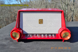 SOLD! - Mar 13, 2016 - CIMARRON RED Dashboard Mid Century Retro Jetsons 1953 Motorola 53H Tube AM Radio Works! , Vintage Radio - Motorola, Retro Radio Farm  - 5