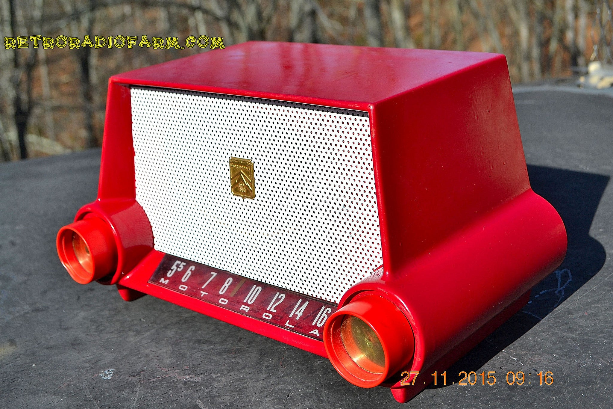 SOLD! - Mar 13, 2016 - CIMARRON RED Dashboard Mid Century Retro Jetsons 1953 Motorola 53H Tube AM Radio Works! , Vintage Radio - Motorola, Retro Radio Farm  - 1