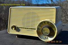 SOLD! - Jan 13, 2016 - IVORY Mocha Dragster Mid Century Retro Jetsons 1957-58 Motorola 5T22W Tube AM Radio Near Mint! , Vintage Radio - Motorola, Retro Radio Farm  - 4