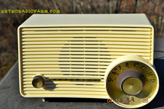 SOLD! - Jan 13, 2016 - IVORY Mocha Dragster Mid Century Retro Jetsons 1957-58 Motorola 5T22W Tube AM Radio Near Mint! , Vintage Radio - Motorola, Retro Radio Farm  - 7