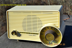 SOLD! - Jan 13, 2016 - IVORY Mocha Dragster Mid Century Retro Jetsons 1957-58 Motorola 5T22W Tube AM Radio Near Mint! , Vintage Radio - Motorola, Retro Radio Farm  - 6