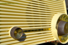 SOLD! - Jan 13, 2016 - IVORY Mocha Dragster Mid Century Retro Jetsons 1957-58 Motorola 5T22W Tube AM Radio Near Mint! , Vintage Radio - Motorola, Retro Radio Farm  - 9