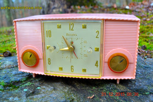 SOLD! - Mar 5, 2016 - PINK MARTINI Vintage Mid Century Retro Jetsons 1959 Bulova Model 170 Tube AM Clock Radio WORKS! , Vintage Radio - Bulova, Retro Radio Farm  - 5