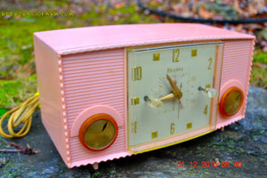 SOLD! - Mar 5, 2016 - PINK MARTINI Vintage Mid Century Retro Jetsons 1959 Bulova Model 170 Tube AM Clock Radio WORKS! , Vintage Radio - Bulova, Retro Radio Farm  - 3