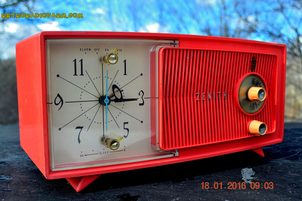 SOLD! - Apr 15, 2016 - BLUETOOTH MP3 Ready - Salmon Pink Mid Century Jetsons 1959 Zenith Model E514A Tube AM Clock Radio Works Great! , Vintage Radio - General Electric, Retro Radio Farm  - 1
