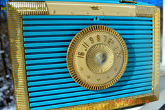 CLEOPATRA Teal and Gold Vintage Antique Mid Century 1955 Bulova Companion Model 206 Portable Tube AM Radio Bling! Bling! , Vintage Radio - Bulova, Retro Radio Farm  - 6