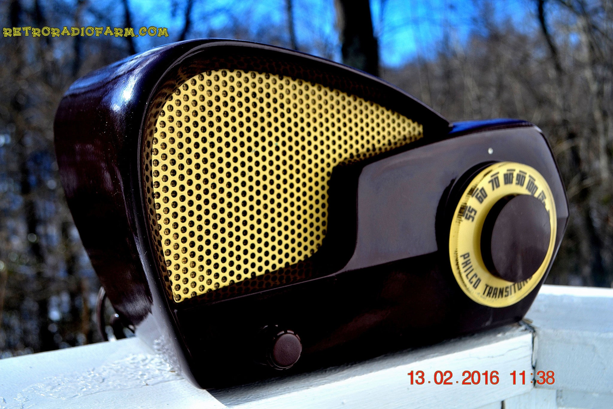 SOLD! - Jan 6, 2016 - Repair and restore 1949 Philco 49-501 AM Bakelite Tube Radio Works! Wow! - [product_type} - Philco - Retro Radio Farm