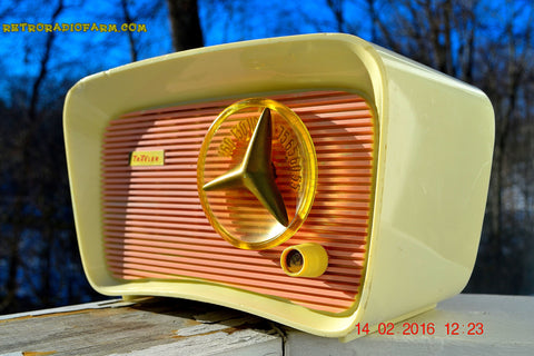SOLD! - Mar 11, 2016 - SO JETSONS LOOKING Retro Vintage Pink and Black 1959 Travler T-204 AM Tube Radio So Cute!