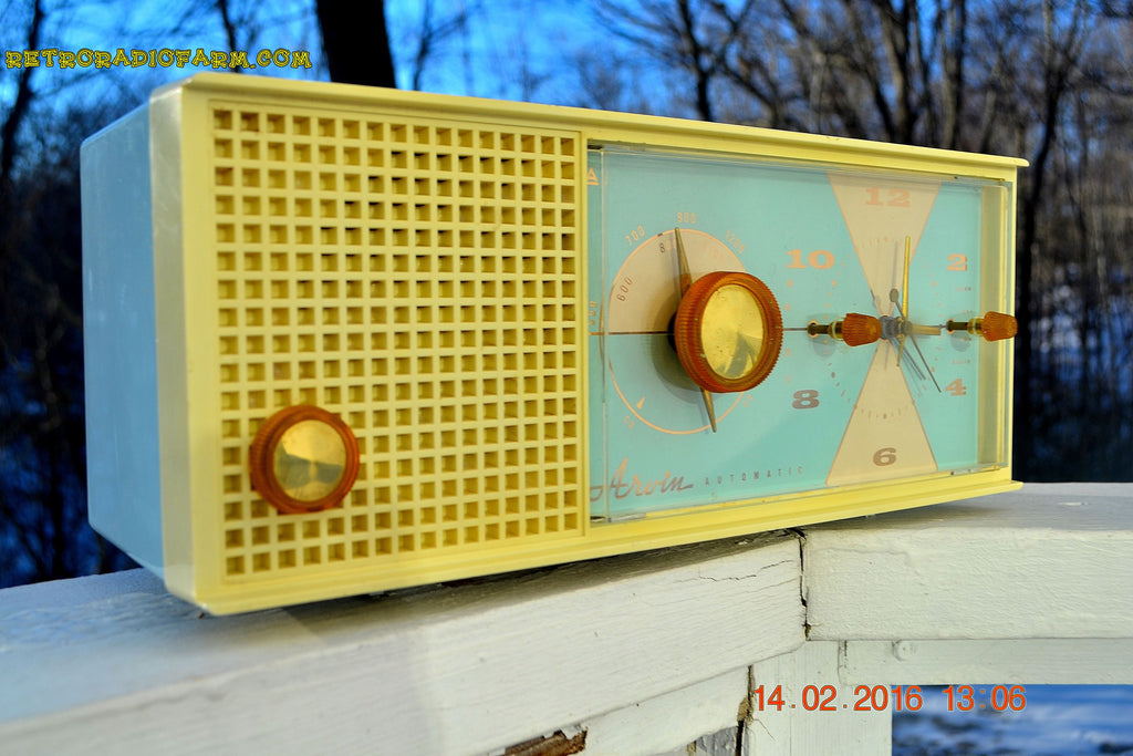SOLD! - Feb 17, 2016 - BABY BLUE Vintage Antique Mid Century 1961 Arvin Model 5594 Tube AM Clock Radio Restored and Very Rare and Near Mint!! , Vintage Radio - Arvin, Retro Radio Farm  - 1