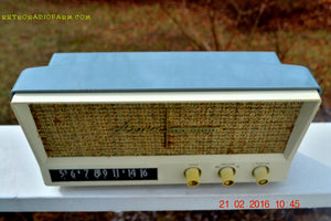 SOLD! -Mar 24, 2016 - BLUETOOTH MP3 READY - Slate Grey Retro Jetsons Vintage 1959 Arvin 2585 AM Tube Radio Immaculate! , Vintage Radio - Arvin, Retro Radio Farm  - 3
