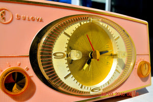 PINK CYCLOPIC Vintage Mid Century Retro Jetsons 1957 Bulova Model 140 Tube AM Clock Radio WORKS! , Vintage Radio - Bulova, Retro Radio Farm  - 7