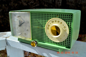 SOLD! - May 4, 2016 - BLUETOOTH MP3 READY - Mint Green 1958 Retro Vintage Jetsons GE General Electric Tube AM Radio Model C435 Radio Works!! , Vintage Radio - General Electric, Retro Radio Farm  - 5