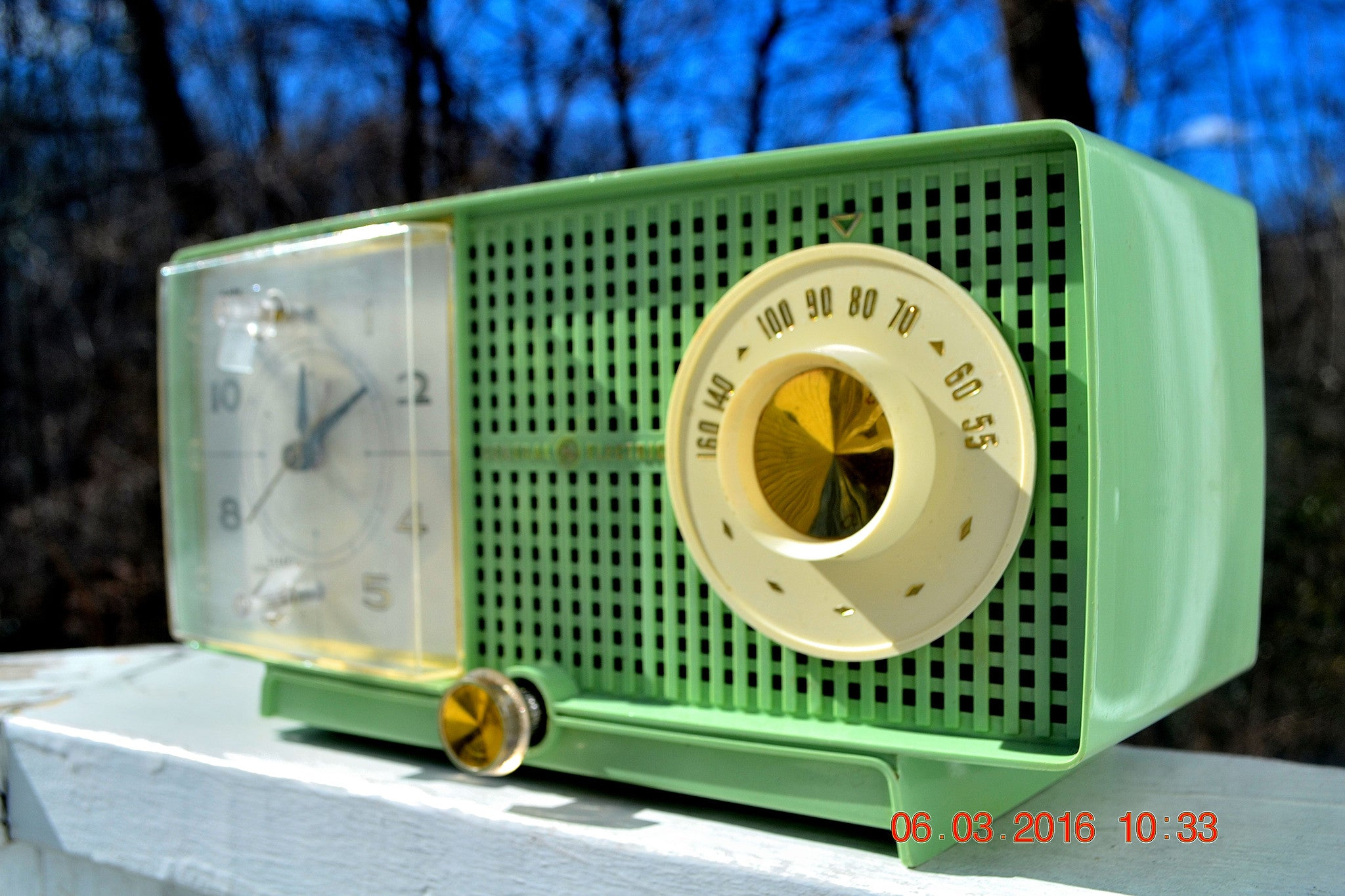 SOLD! - May 4, 2016 - BLUETOOTH MP3 READY - Mint Green 1958 Retro Vintage Jetsons GE General Electric Tube AM Radio Model C435 Radio Works!! , Vintage Radio - General Electric, Retro Radio Farm  - 1
