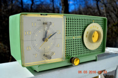 SOLD! - May 4, 2016 - BLUETOOTH MP3 READY - Mint Green 1958 Retro Vintage Jetsons GE General Electric Tube AM Radio Model C435 Radio Works!! , Vintage Radio - General Electric, Retro Radio Farm  - 3