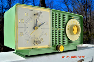SOLD! - May 4, 2016 - BLUETOOTH MP3 READY - Mint Green 1958 Retro Vintage Jetsons GE General Electric Tube AM Radio Model C435 Radio Works!! , Vintage Radio - General Electric, Retro Radio Farm  - 7