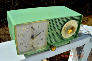 SOLD! - May 4, 2016 - BLUETOOTH MP3 READY - Mint Green 1958 Retro Vintage Jetsons GE General Electric Tube AM Radio Model C435 Radio Works!! , Vintage Radio - General Electric, Retro Radio Farm  - 6