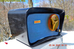 SOLD! - Apr 4, 2016 - BLUETOOTH MP3 READY - SO JETSONS LOOKING Retro Vintage AQUA and BLACK 1959 Travler T-204 AM Tube Radio WORKS! , Vintage Radio - Travler, Retro Radio Farm  - 9