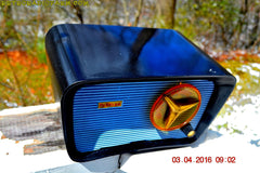 SOLD! - Apr 4, 2016 - BLUETOOTH MP3 READY - SO JETSONS LOOKING Retro Vintage AQUA and BLACK 1959 Travler T-204 AM Tube Radio WORKS! , Vintage Radio - Travler, Retro Radio Farm  - 5