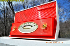 RED AND WHITE Retro Jetsons Vintage 1957 RCA Victor Model 1-X-3B AM Tube Radio Stunning! , Vintage Radio - RCA Victor, Retro Radio Farm  - 3