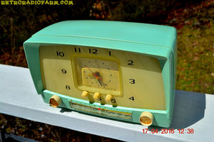 MINT GREEN Retro Mid Century 1955 Westinghouse Model H-548T5 AM Tube Radio Alarm Clock Totally Restored! , Vintage Radio - Westinghouse, Retro Radio Farm  - 5