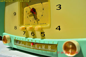 MINT GREEN Retro Mid Century 1955 Westinghouse Model H-548T5 AM Tube Radio Alarm Clock Totally Restored! , Vintage Radio - Westinghouse, Retro Radio Farm  - 12